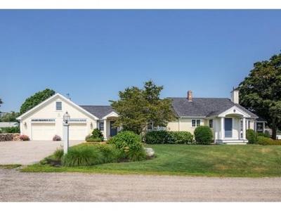 10 Beachview Road,Ipswich,Massachusetts 01938,2 Bedrooms Bedrooms,2 BathroomsBathrooms,Single family,Beachview Road,72375967