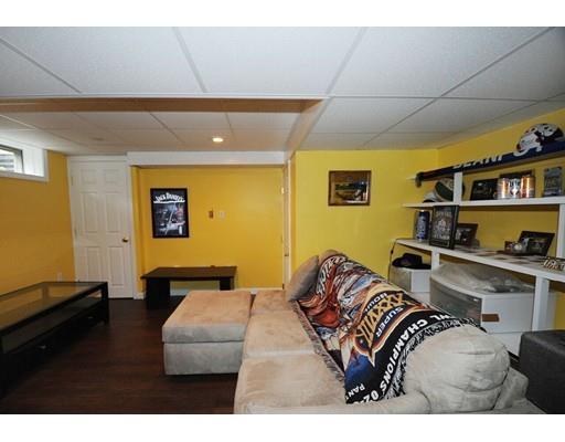 731 Grove St,Norwell,Massachusetts 02061,3 Bedrooms Bedrooms,1 BathroomBathrooms,Single family,Grove St,72318060