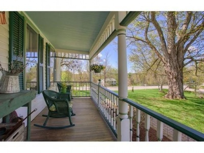 2 Sunrise Ave,Barre,Massachusetts 01005,4 Bedrooms Bedrooms,4 BathroomsBathrooms,Single family,Sunrise Ave,72376372